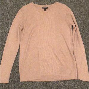 long-sleeved sweater size L banana republic